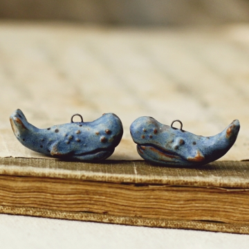 speckled blue whale charms
