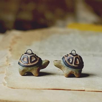 Tortuga charms