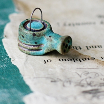 tiny patina watering can